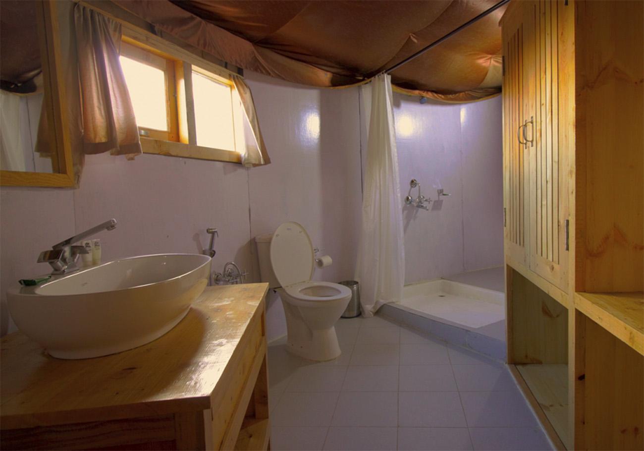 Bathroom facility of superior rooms at Hunder sarai